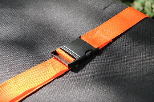 Emergency treatment cot strap